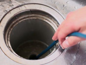 排水の流れが悪い スネークワイヤー工法